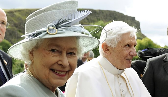 Benoit XVI et Elisabeth II, Photo Dylan Martinez / Reuters